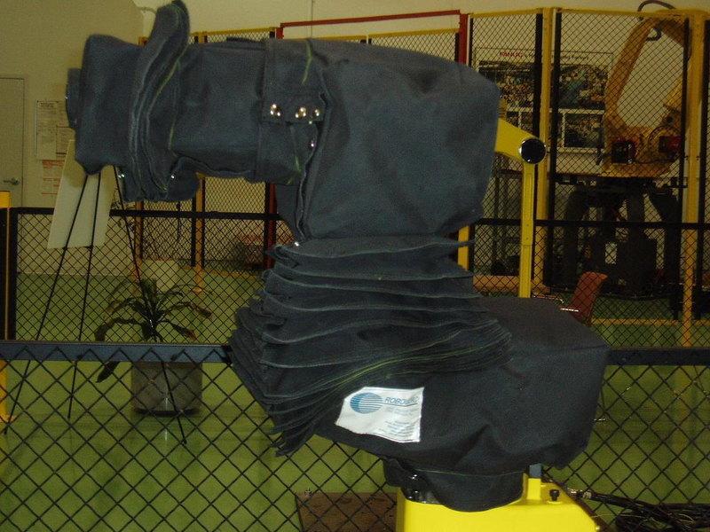FANUC LRMate 200iB Roboworld Robosuit