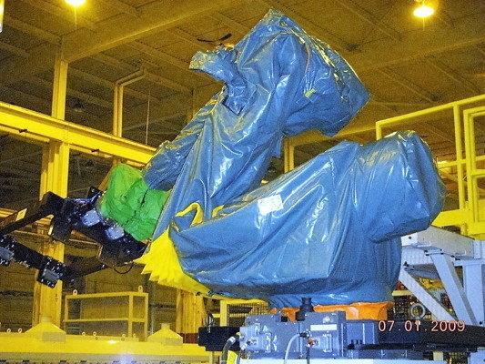 FANUC 200R Roboworld Robosuit