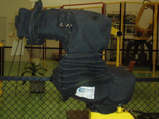 FANUC 200iB Roboworld Robosuit