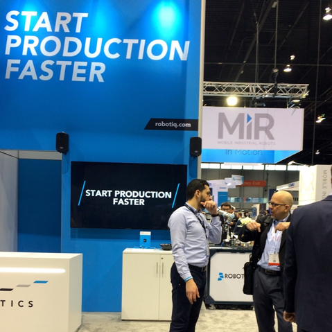 Automate Robotiq 2019 Booth with Attendees